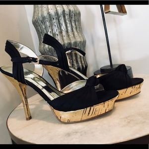 🌟Guess By Marciano Black/Gold Heels Size 7.5